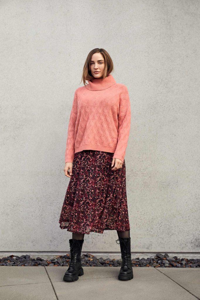 pullover-211815-skirt-212111